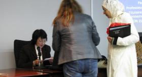 La investigadora argelina Ouiza Cherifi ofrece en Almería una conferencia sobre Medio Ambiente y Salud